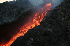 etna flödande lava royaltyfri foto