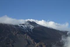 Etna -从Schiena dell'Asino的火山口视图 免版税库存图片