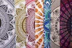 Etniczna tkanina dla sprzedaży w hiszpańskim rynku obraz stock