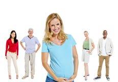 Etniczni grupowi ludzie kobieta w ciąży pojęcia Obrazy Stock
