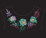 Etnisch de halslijnpatroon van de borduurwerk kleurrijk manier met exotisch Royalty-vrije Stock Foto