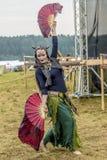 Etnisch Festival van Oude Cultuur Volksdansen in het Russische Dorp stock foto's
