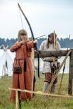 Etnisch Festival van Oude Cultuur Wederopbouw van middeleeuwse strijders van ridders in slag royalty-vrije stock fotografie
