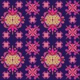 Etnisch ornament naadloos die patroon door fusie van Oekraïense, Indische en Mexicaanse traditionele motieven wordt geïnspireerd Royalty-vrije Stock Fotografie