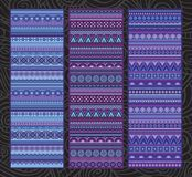Etnische diverse strook vastgestelde motieven in violette kleuren Stock Afbeeldingen