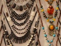 Etnische halsbanden Stock Afbeeldingen