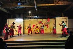Etnische minderheid het dansen Royalty-vrije Stock Afbeeldingen