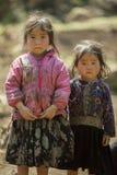 Etnische minderheid twee zusters, bij oude Dong Van-markt royalty-vrije stock foto's