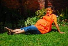 etnisk gravid kvinna Royaltyfria Foton