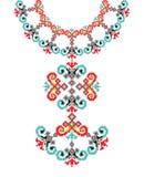 Etnisk halsbandbroderi för vektor för modekvinnor Stam- modelltryck för PIXEL eller rengöringsdukdesign, smycken arkivfoton