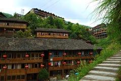 Etnisk minoritetby i det Guangxi landskapet, Kina Royaltyfri Bild