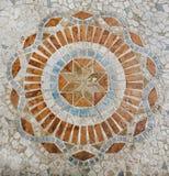 Etniska mosaiktegelplattor, färgrik modell, geometriska former, tappningblick Fotografering för Bildbyråer