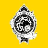 Etniskt tatueringtryck för t-skjortor Pilbåge och pil, svärd Arkivbild