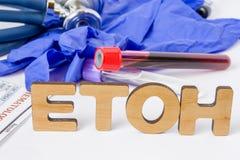 ETOH-afkorting of acroniem voor laboratoriumtest of diagnostiek van ethylalcohol, alcohol in menselijk bloed, alcoholmisbruik of  stock foto's