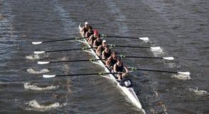 Eton小船俱乐部在查尔斯Regatt题头赛跑  免版税库存照片