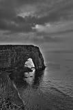 Etretat, Francja - czarny i biały HDR fotografia Zdjęcie Royalty Free