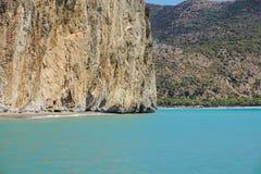 Etretat, meraviglia naturale, scogliera e spiaggia dell'arco della roccia di Manneporte della La Fotografie Stock Libere da Diritti