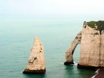 Etretat& x27 ; plage de s dans Normandie Photographie stock libre de droits