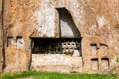 Etruscan katakomber i den forntida staden av Sutri, Italien Arkivfoton