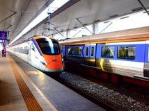 ETS火车城市间的火车业务在马来西亚 库存图片