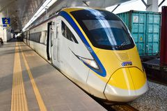 ETS dienst van het Trein de interlokale spoor in Maleisië stock foto's