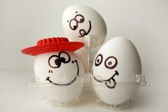 Ett ägg med en framsida Roligt och sött arkivbild