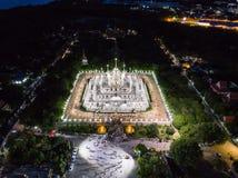 Ett ögonblick av buddistisk ceremoni för helig dag i Asokaram buddistiska vikarier Royaltyfri Fotografi