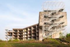 Ett övergett konstruktionskomplex Royaltyfri Fotografi