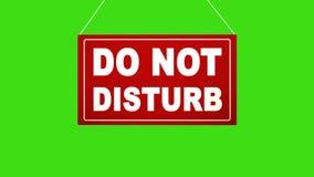 Ett affärstecken som säger: stör inte Stämd grön skärm för alfabetisk kanal stock video
