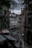 Ett aleeyway i Europa royaltyfri foto
