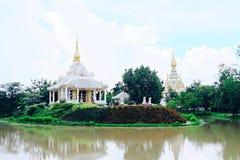 Ett annat perspektiv av den ursnygga templet på Khon Kaen, Thailand Royaltyfri Fotografi