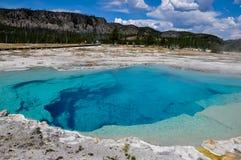Ett av de många sceniska landskapen av den Yellowstone nationalparken, arkivbild