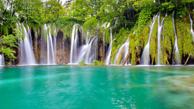 Ett av de mest härliga ställena i världen Plitvice - Kroatien Royaltyfria Bilder