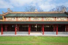 Ett av gallerier av den imperialistiska slotten av den förbjudna purpurfärgade staden Ton Vietnam fotografering för bildbyråer