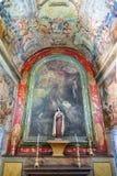 Ett av kapellen som täckas med freskomålningar i skeppet av sjukhuset de Jesus Cristo Church Arkivbild