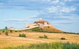 Ett av många gammala Transylvania slott i Rumänien Arkivbilder