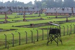 Ett avsnitt av den Auschwitz-Birkenau koncentrationsläger på Oswiecim i Polen royaltyfria bilder