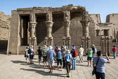 Ett avsnitt av mammmisien (födelsehus) av Horus på templet av Horus i Edfu i Egypten Royaltyfria Bilder