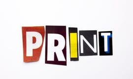 Ett begrepp för visning för ordhandstiltext av trycket som göras av den olika tidskrifttidningsbokstaven för affärsfall på den vi arkivbild