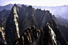 Ett berg som lokaliseras på Kina Arkivfoton