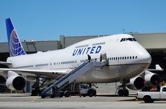 Ett Boeing 747-400 flygplan från United Airlines UA Arkivfoto