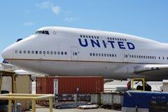 Ett Boeing 747-400 flygplan från United Airlines UA Arkivbilder