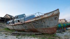 Ett brutet järnfartyg Arkivbild