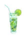 Ett coctailexponeringsglas av mojito med limefrukt och mintkaramellen Royaltyfria Bilder