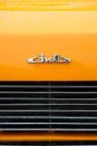 Ett emblem av den retro ZIL--118Kbilen Arkivbild