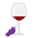 Ett exponeringsglas av rött vin och en grupp av druvor på en vit bakgrund Royaltyfri Bild