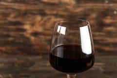 Ett exponeringsglas av rött vinnärbild arkivfoton