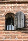 Ett fängelsefönster Arkivfoton