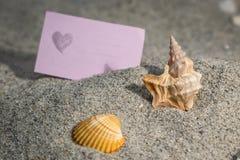 Ett förälskelsemeddelande som minns en special ferie royaltyfria bilder