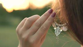 Ett flickahandlagörhänge